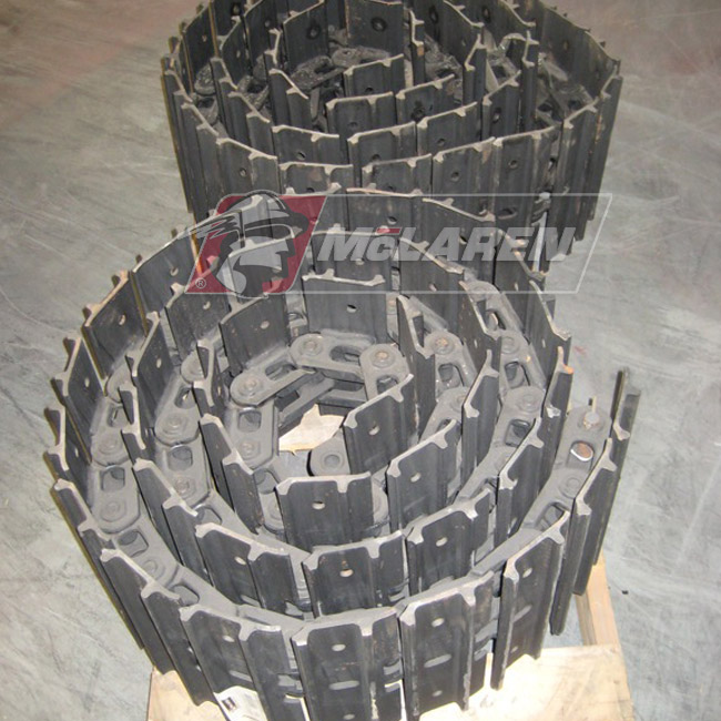 Hybrid steel tracks withouth Rubber Pads for Bobcat E85